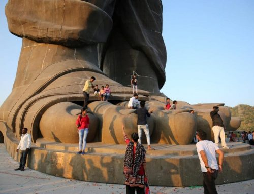 Statue of Unity lures hordes of tourists